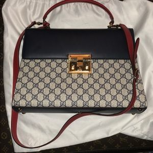 Women's med size Gucci bag New